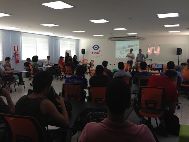 Apresentação realizada por Henrique e Davide (D3M e AWSMaker)